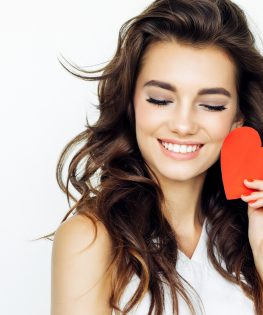 Tips to Have a Healthy Mouth on Valentine's Day